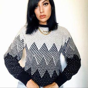 Sweaters - 80s Chevron & Polka Dots Cuddly Sweater 🐦